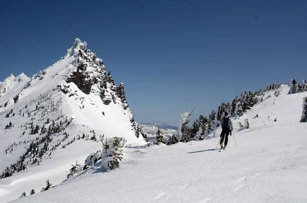"Arrivée au ""ski summit"" des Three Fingered Jack"