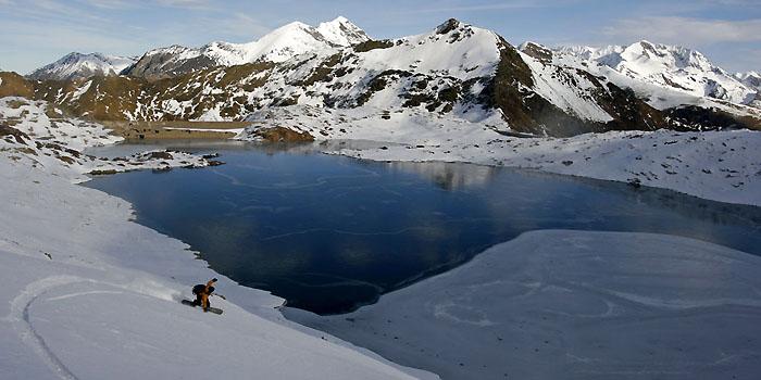 au-dessus des lacs pyrénéens