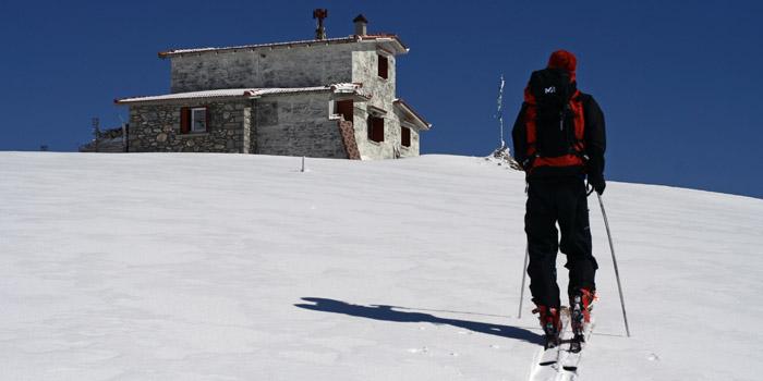 Skiez autrement depuis les refuges et les cabanes