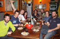 Gros repas avec les locaux avant notre départ...Au menu, blanquette de veau!