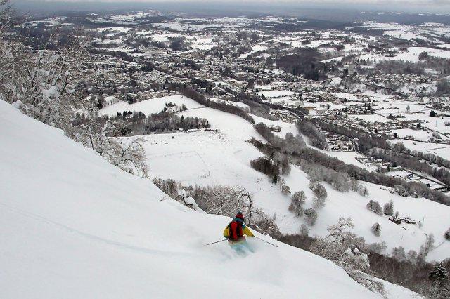Ski de rando au Petit Monné au-dessus de Bagnères de Bigorre - photo: 800m d'altitude !!