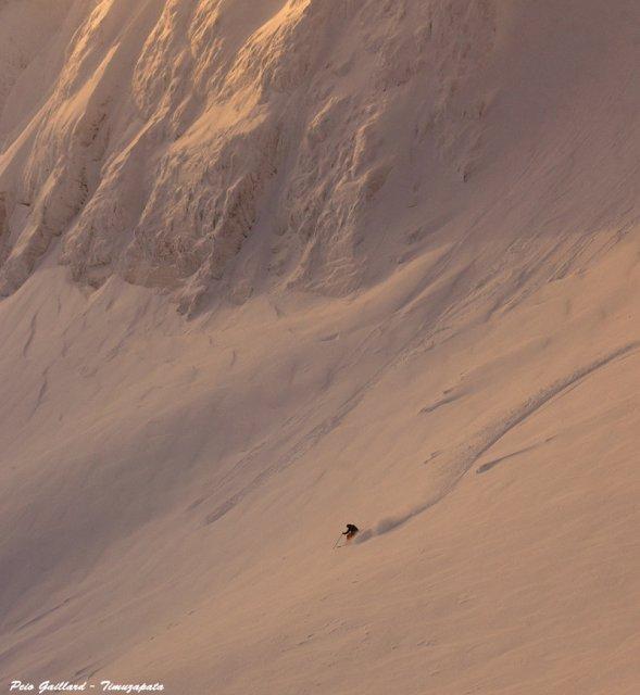 Première descente 2016 dans la poudre norvégienne