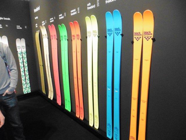 La nouvelle gamme freebird de Black Crows avec 2 nouveaux skis à 77mm et 115mm au patin