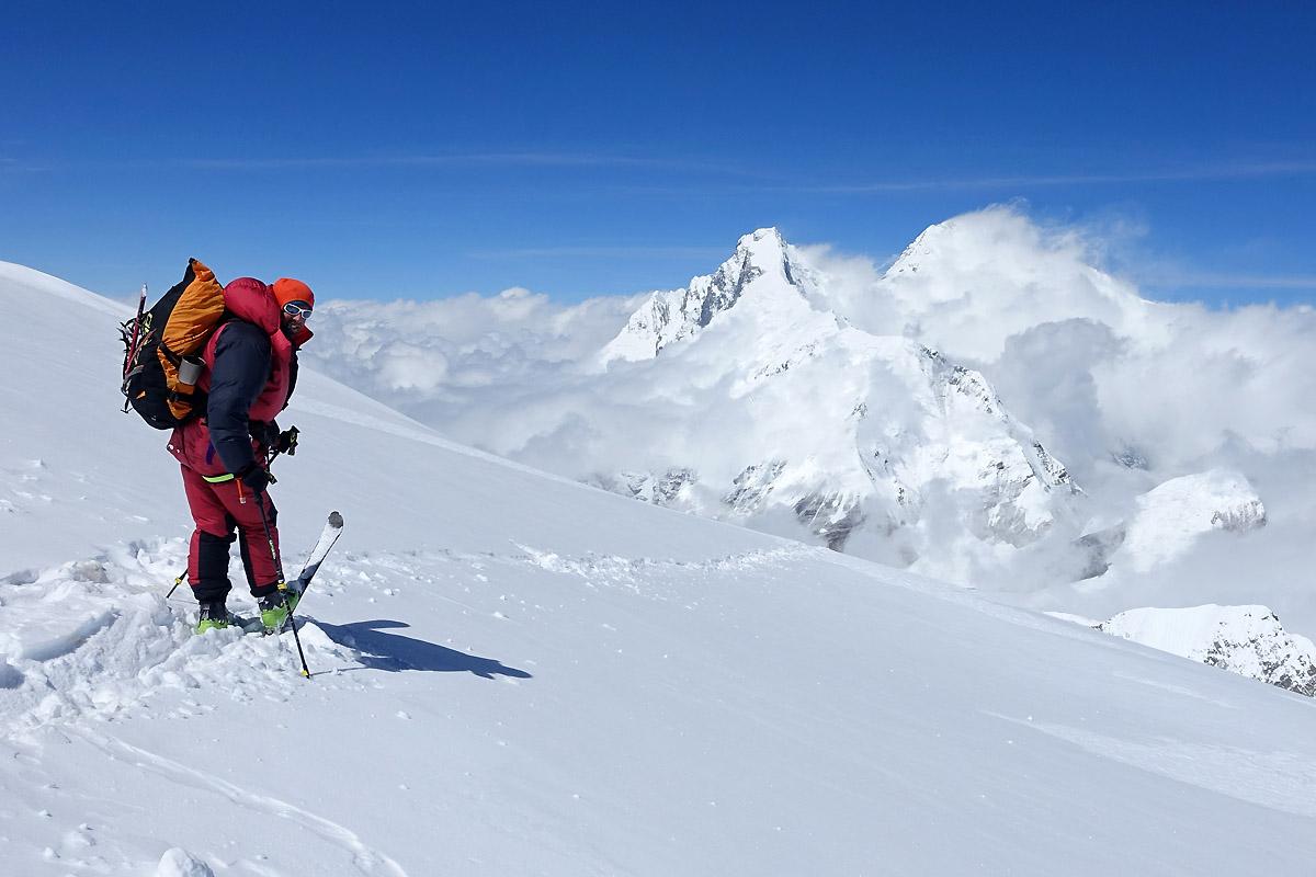 Skier à 8000m
